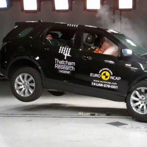 2015 Land Rover Discovery Sport Euro NCAP Crash Test